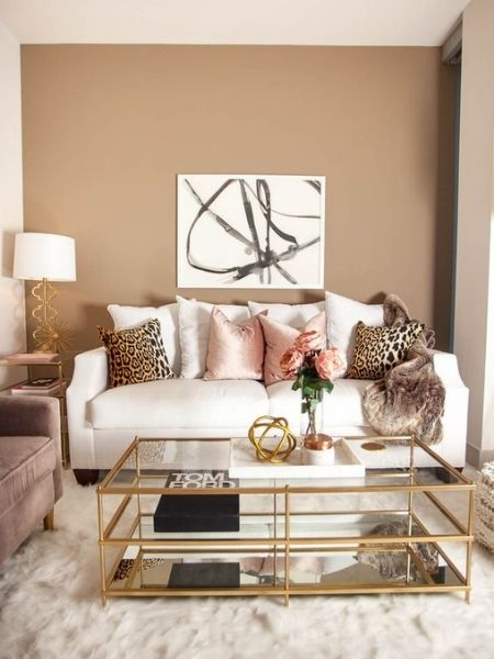 rose flowers blush pink in glam living room